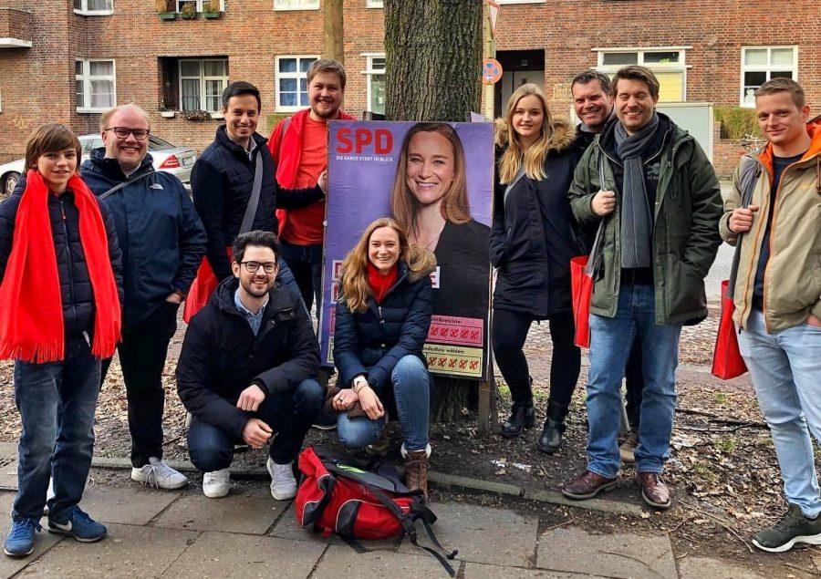 Das Team in Fuhlsbüttel mit der Bürgerschaftsabgeordneten Doro Martin